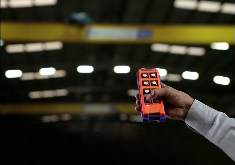 Radio remote control for crane